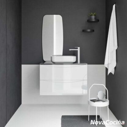 lavabo blanco colgado con pileta sobre encimera