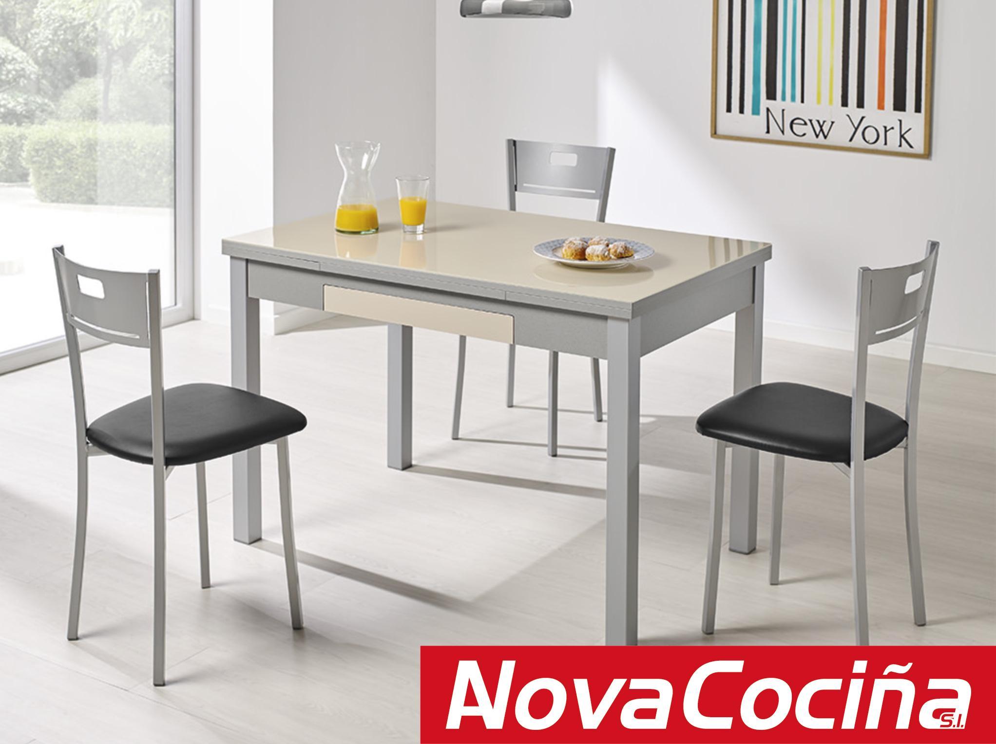 Mesa extensible de cristal ALBA para cocina | ANova Cociña