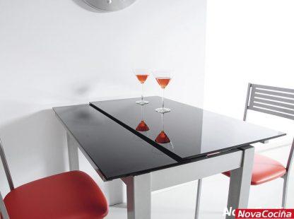 mesa extensible para cocina modelo Karen