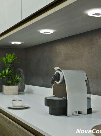 Foco LED debajo armario de cocina modelo KOBE