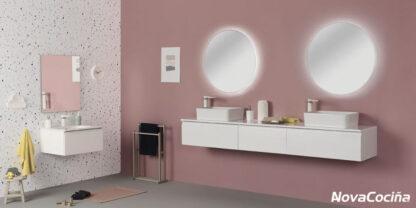 Baño con pileta doble y espejos redondos