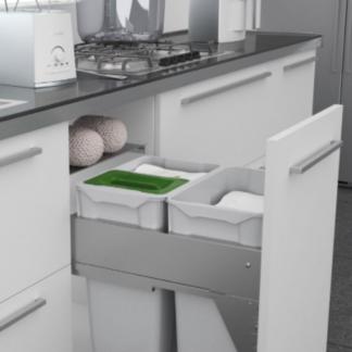 cajón de cocina abierto con cubos de basura quadrifolio