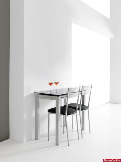 Mesa karen de cristal y dos sillas Kris