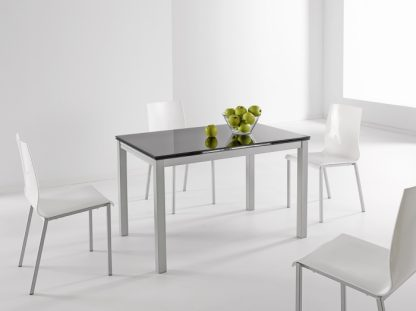 Mesa Karina con 4 sillas laura